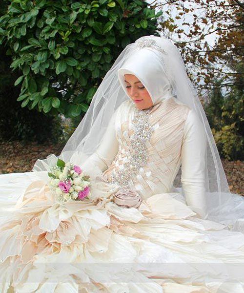 8a40fe932 فساتين زفاف تركية