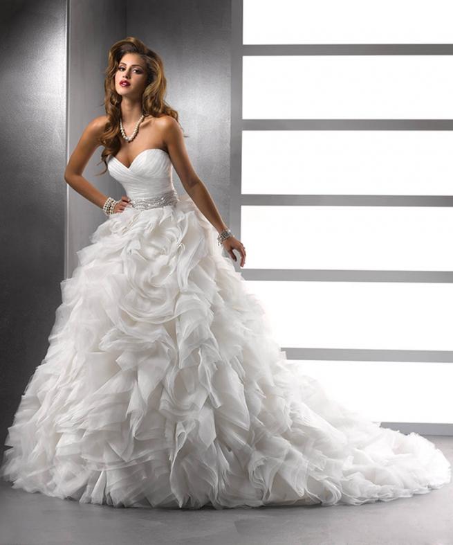 f6fe36873fc1b اجمل فساتين زفاف تركية 2015