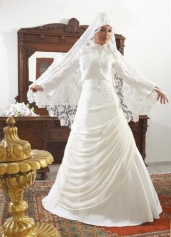 فساتين زفاف حرير انيق 2015