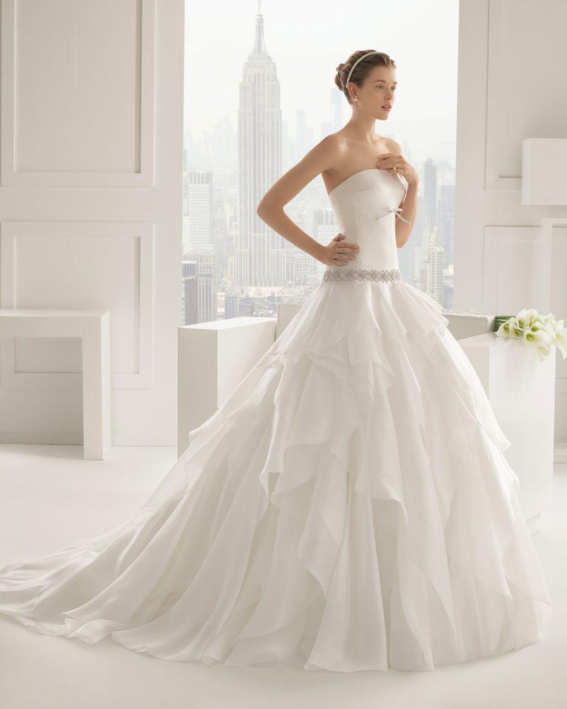 فساتين زفاف اسبانية