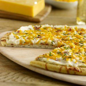 بيتزا عجة البطاطس والبيض