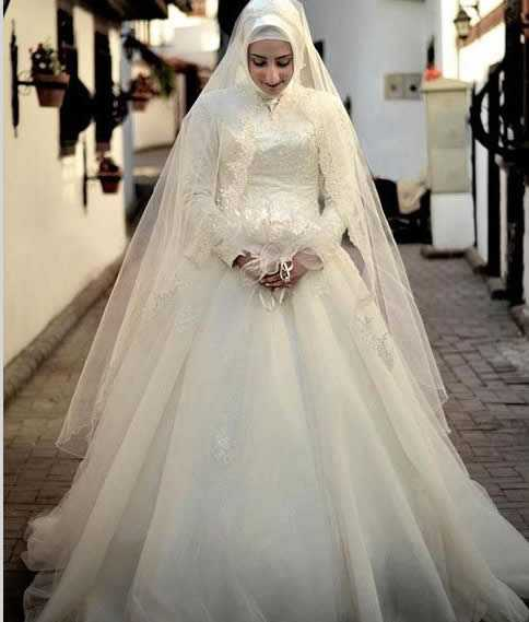 3d4ce4ff529d6 فساتين زفاف محجبات تركية موضة 2015