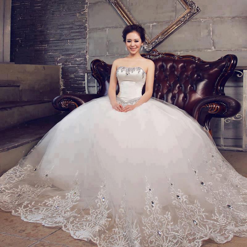 فساتين زفاف منفوشة بتصميمات عصرية موضة 2015