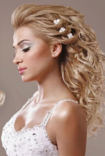 تسريحات شعر للعروسات النحيفات