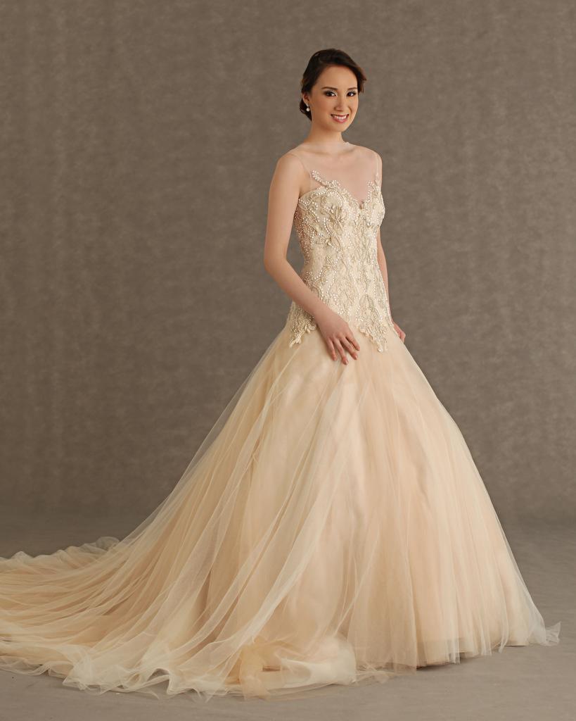 f6405b61a انظري سيدتي الجميلة الي موديل فساتين الزفاف التركية الستان الانيقة الكب  منفوش طويل جميل بالصور 2016