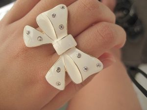 accessories-girl-glitter-ring-white-Favim.com-284656