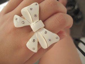 accessories-girl-glitter-ring-white-Favim.com-284656