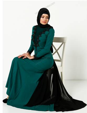 9bd8a34b3 ... بالصور اجمل موديلات المحجبات في اسطنبول موضة 2019. ملابس محجبات تركية  ماركات عالمية دانتيل
