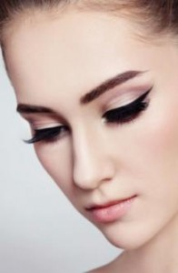 mod-eye-makeup-eyeliner-look_0
