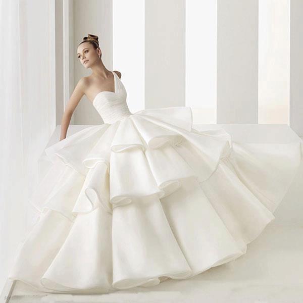 اجمل فساتين زفاف منفوشة 2015