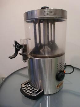 تم تصميم هذه المواد الشوكولاته 3 L لاستخدامها في شريط أو الشاي غرفة. في وعاء البولي للصدمات، وغير سامة غير قابل للإزالة لسهولة التنظيف. قدرة 3 L مع قياس كوب وسكب الصنبور. يتكون هيكل من الفولاذ المقاوم للصدأ. السلطة: 1200 W اللون: مستوى الضوضاء فضة: 70 ديسيبل الطاقة V - 220 V هرتز - 50 هرتز الحرارة: قابل للتعديل لتناسب درجة الحرارة. الوزن: 3kg و