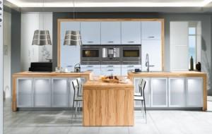 wooden-white-kitchen-582x369