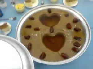 عصيدة لذيذة بالسمن والعسل