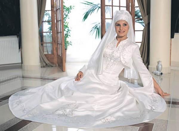 احدث فساتين زفاف موضة 2015 من الاسكندرية