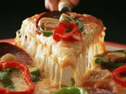 البيتزا الايطالية بالتونة بالصور