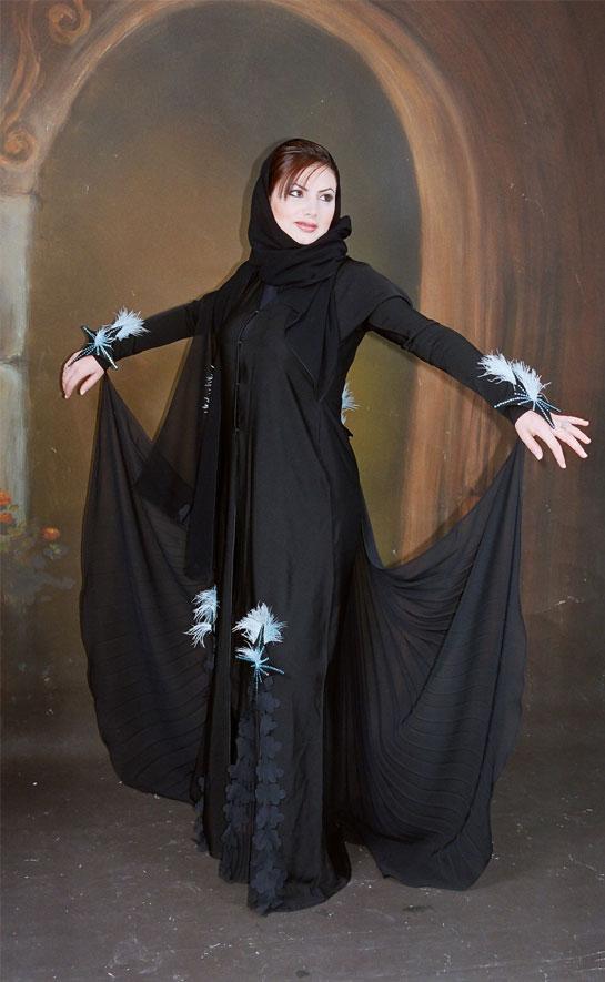 عبايات سوداء تصميمات الفراشة 2015