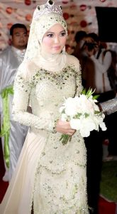 اجمل فساتين زفاف محجبات موضة 2015