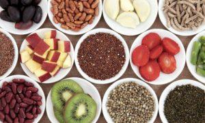 www.fatakat-ar.com مائدة رمضانية كاملة مفيدة من فواكه وبقوليات 2015