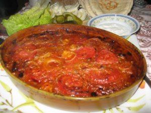 مسقعة الباذنجان بصلصة الطماطم