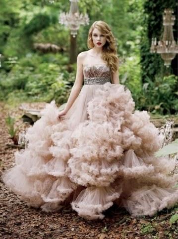 اجدد موديلات فساتين زفاف منفوشة