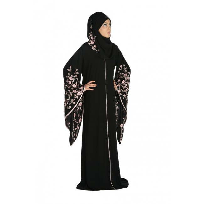 www.fatakat-ar.comAbayas-with-Embellished-Sleeves