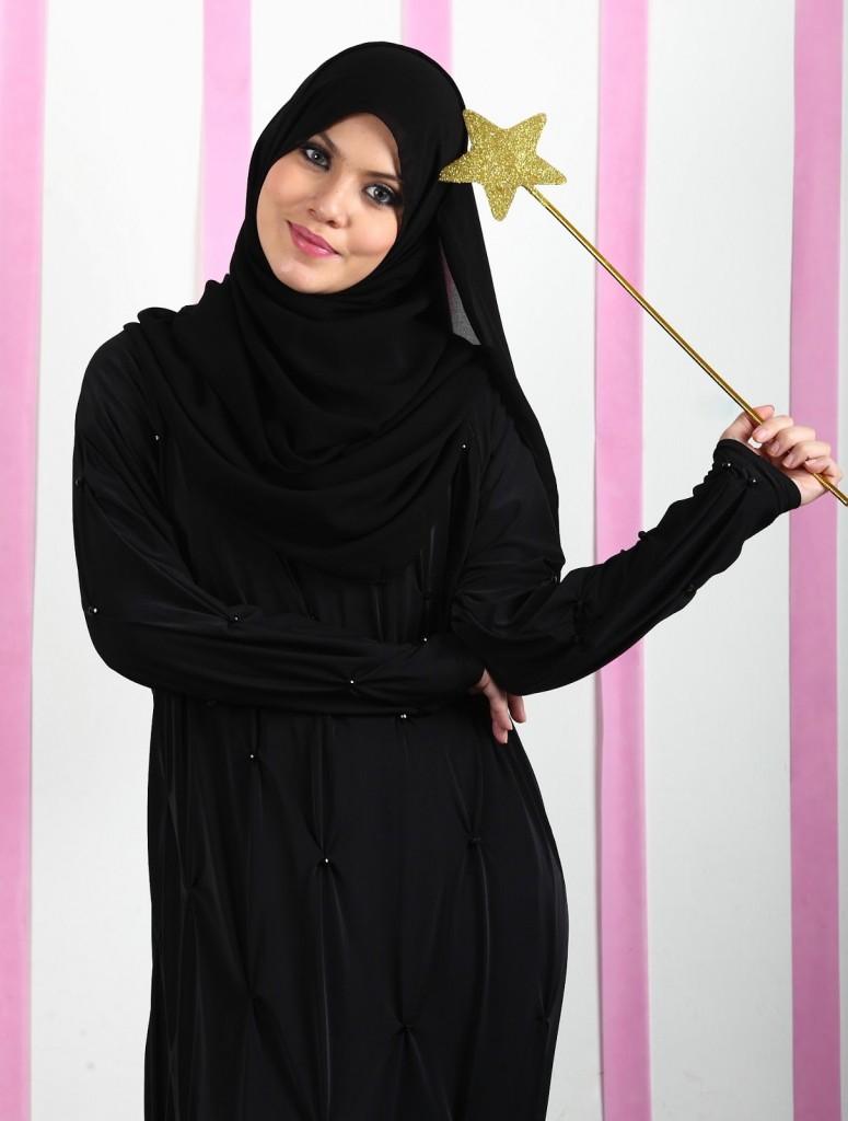 عبايات سوداء للمحجبات 2015