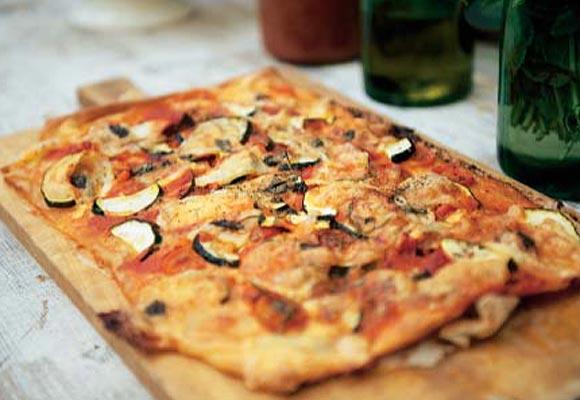طريقة عمل البيتزا بالتونة