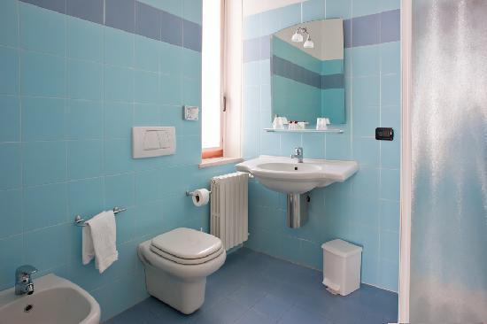 حمامات لمساحات صغيرة 2015