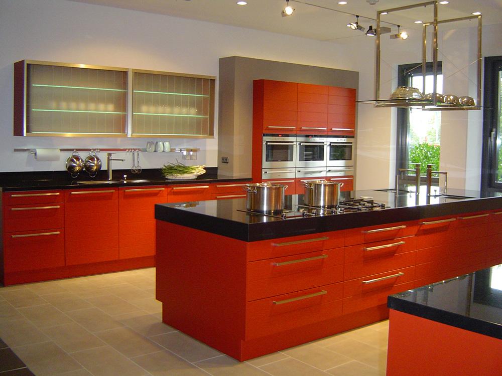 مطبخ عصرية باللون الاحمر من فرنسا 2015